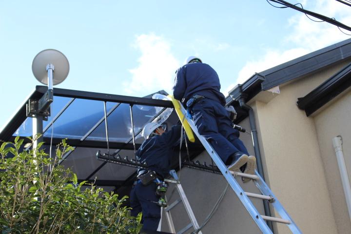 テラス屋根修理施工中2