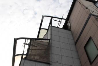 テラス屋根ポリカ板修理1