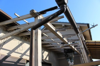 木製テラス修理中2