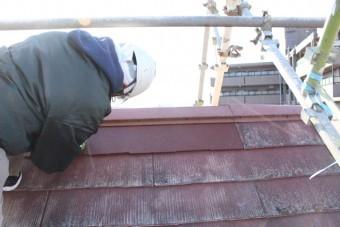 屋根修理中3