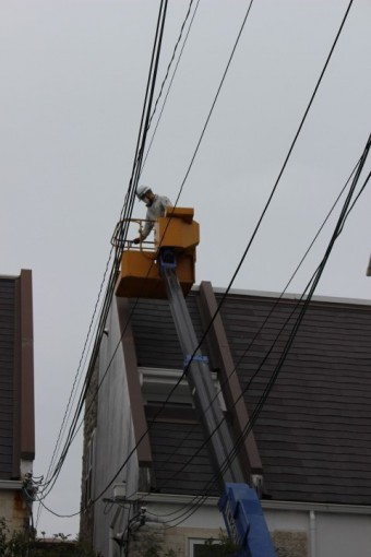 高所作業車雨漏り修理2
