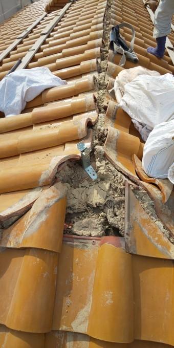 西宮市木造住宅瓦屋根の撤去作業